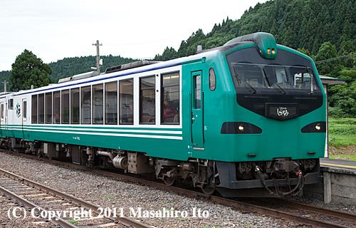 キハ48 702