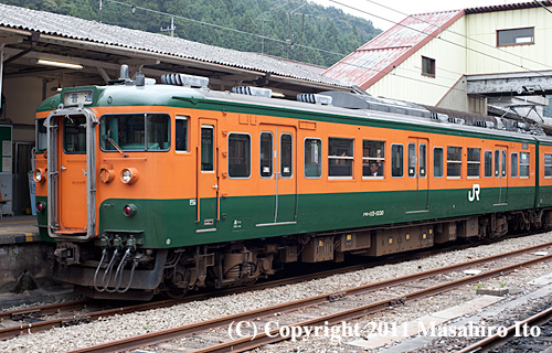 クモハ115-1030