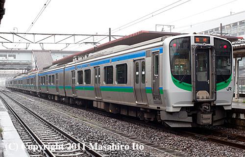E721系8両編成の「新幹線リレー号」