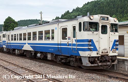 キハ40 528