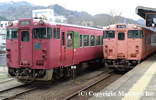 キハ40 2008とキハ40 2046