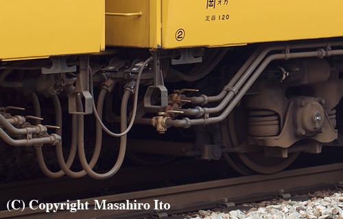 モハ112-2023の2位車端部