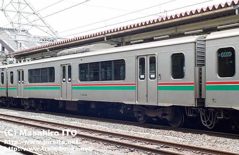 サハ700-1002