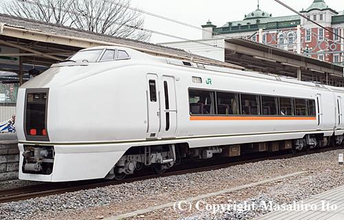 クハ650-1006