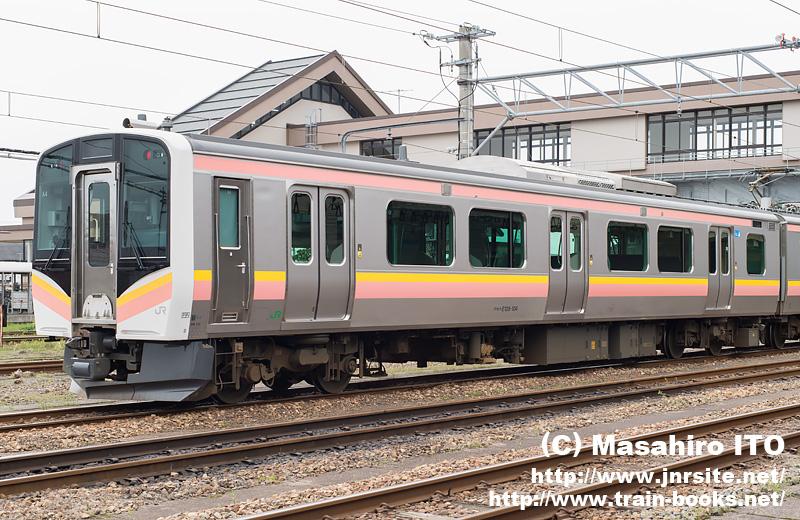 クモハE128-104