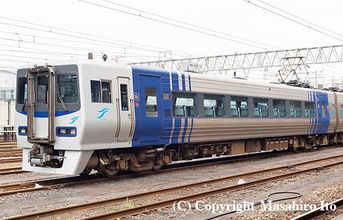 8203(JR四国)