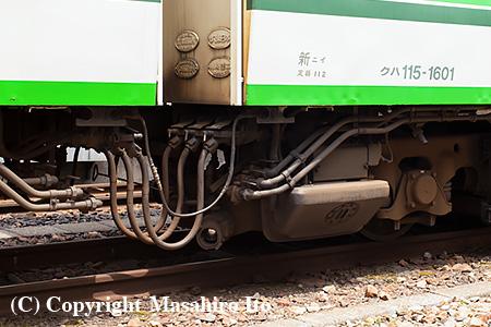 クハ115-1601 の3位車端部(トイレ付近)