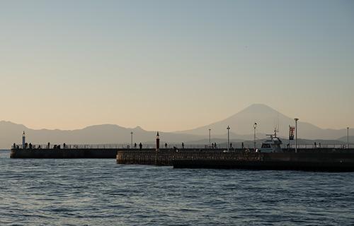 江の島弁天橋からの富士山