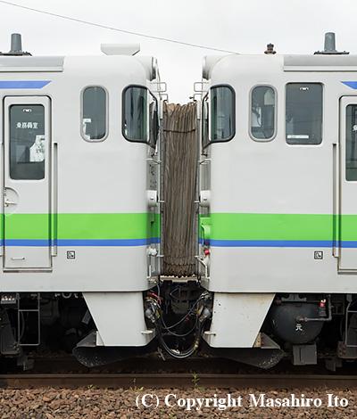 キハ40 1742(左)とキハ40 1778(右)の連結部