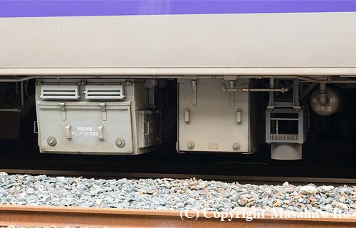クハ700-1015 の線路設備モニタリング装置