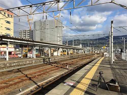 曇り予報なのに晴れていた早岐駅